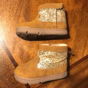 Carters size 5 glitter boots